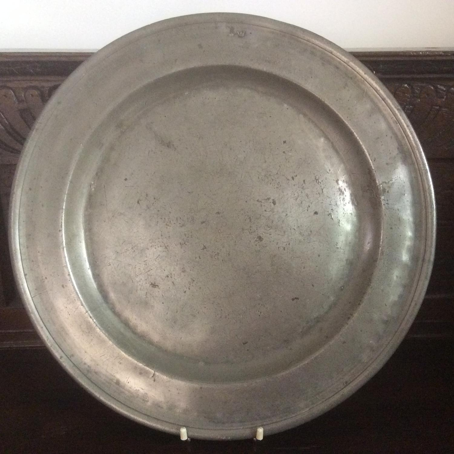 Georgian mid 18th century pewter charger