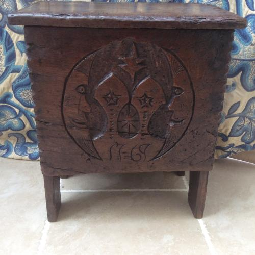 Small rare 18th century oak chest
