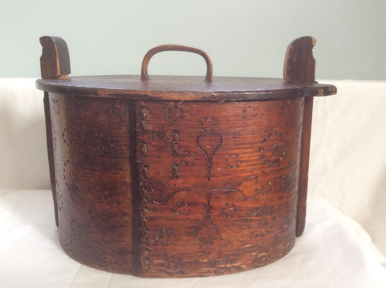 Scandinavian Tine box