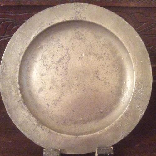 Armorial 18th pewter plate