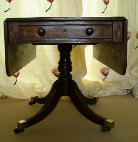 Regency period mahogany Pembroke table