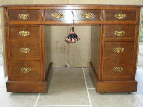 Late 19th century walnut pedestal desk