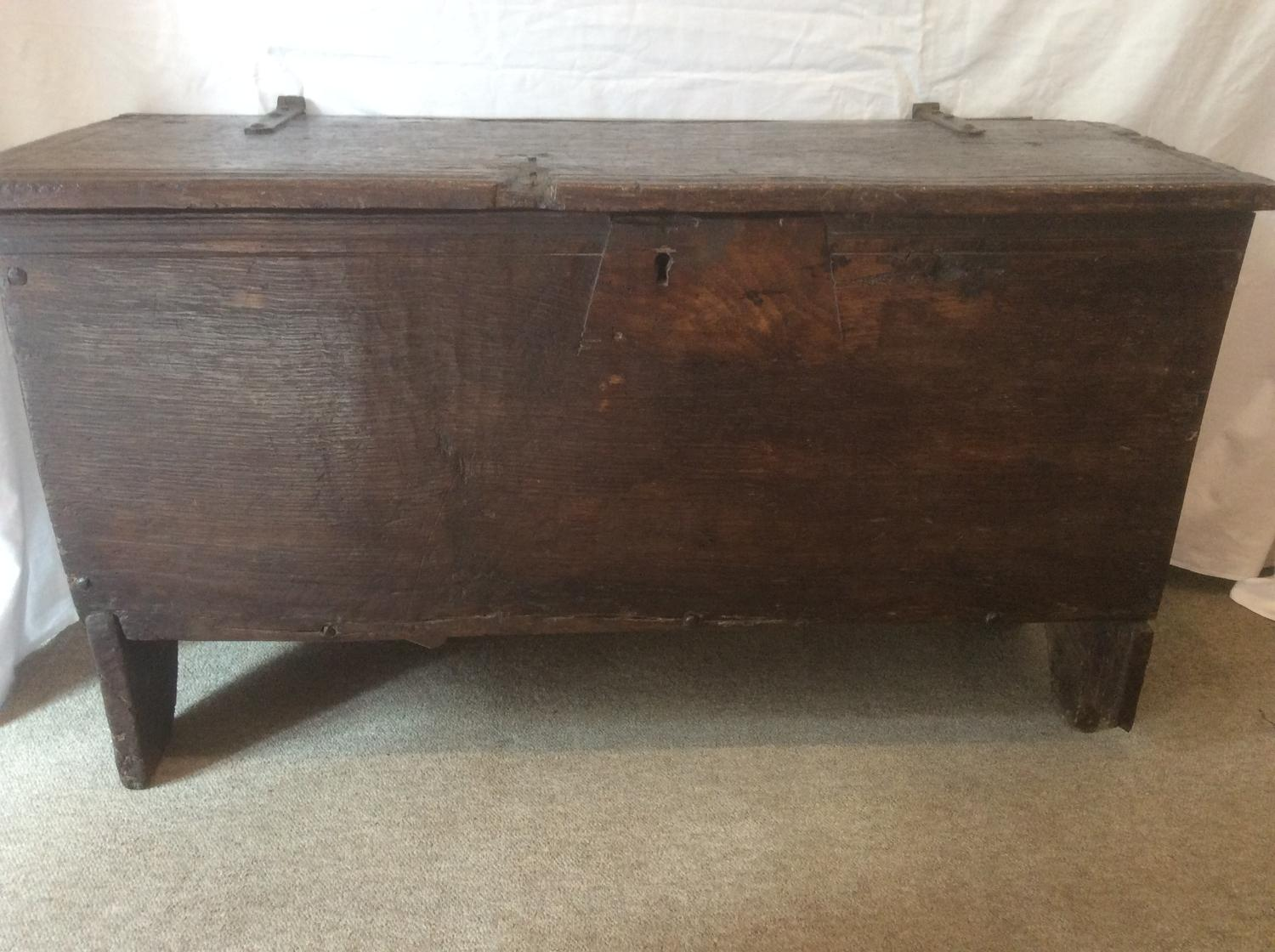 Early 17th century rustic oak coffer