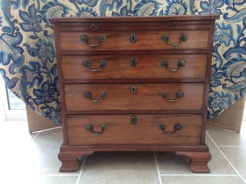 George III mahogany bachelor's chest