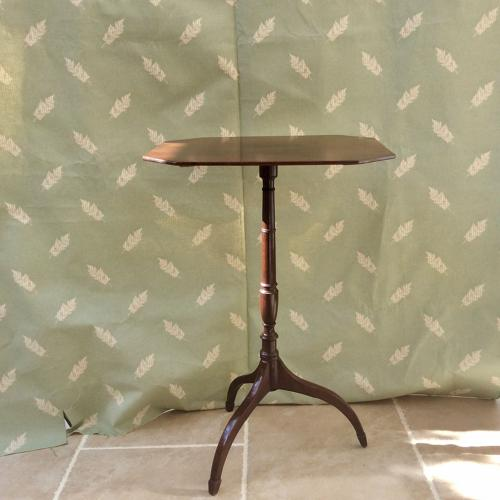 Regency period Mahogany wine table