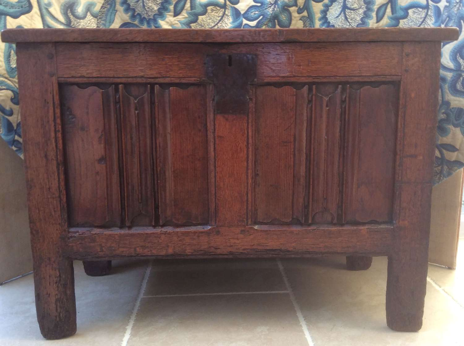 Small Elizabethan Period English Oak linenfold panelled coffer